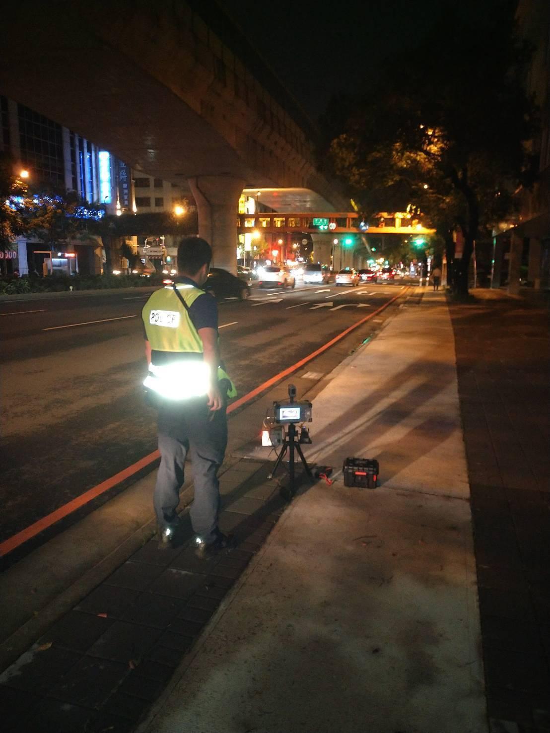 台中市警局從8月起執行靜城專案,8、9月已取締1.3萬餘件超速車,蒐證400餘輛...