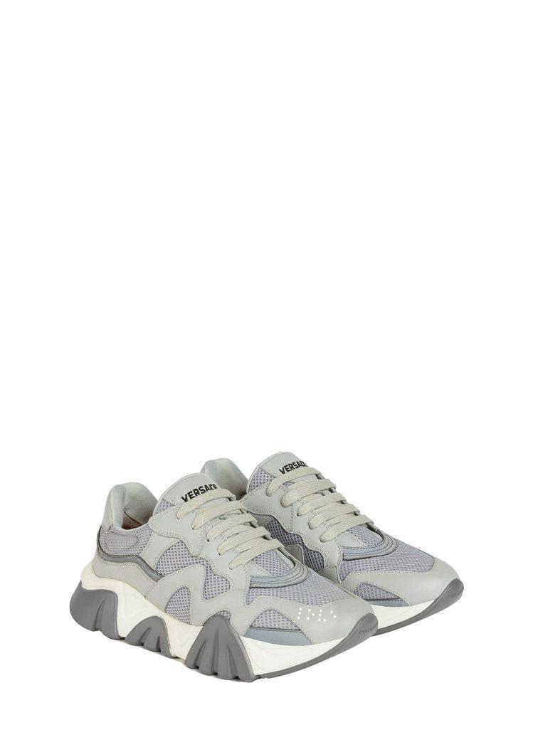 Squalo淺灰運動鞋,29,000元。圖/VERSACE提供