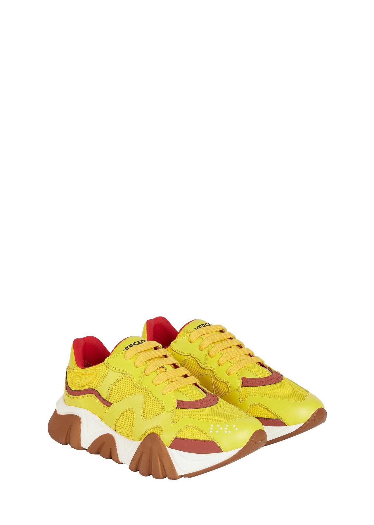 Versace Squalo亮黃運動鞋,29,000元。圖/VERSACE提供