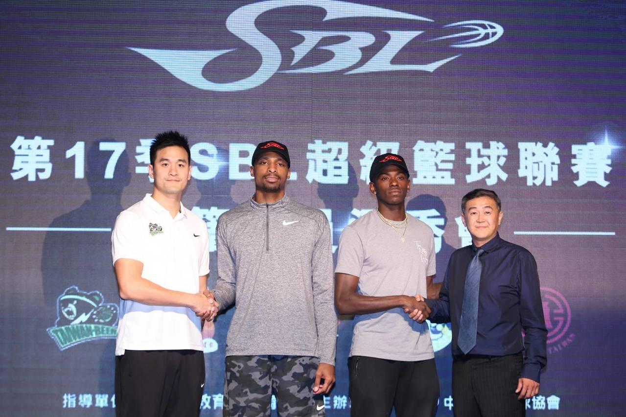 首屆SBL洋將選秀會僅有九太與台啤各選進一名球員。記者劉肇育/攝影