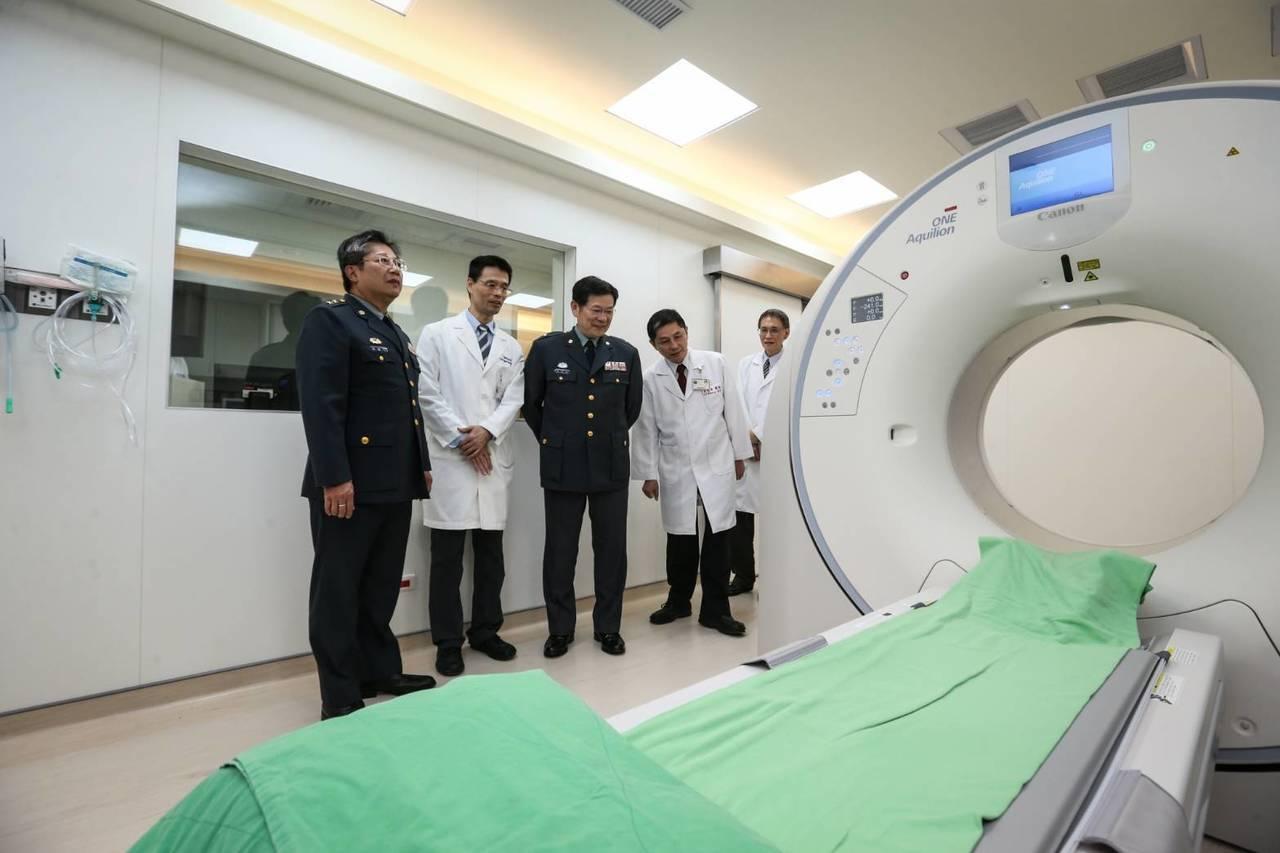 三軍總醫院近日引進640列電腦斷層掃描器,0.275秒就能360度掃描整顆心臟,...