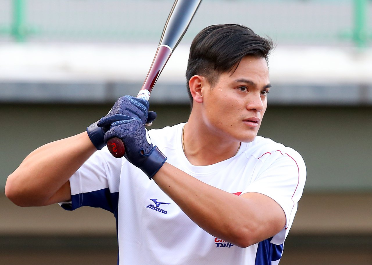 亞洲棒球錦標賽中日大戰,印地安人隊野手張育成擔任第四棒。記者余承翰/攝影