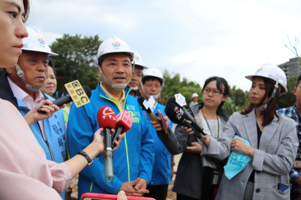台北市長柯文哲說民汐線是盲腸,新北市長侯友宜則表示,盲腸也有盲腸的功能。記者胡瑞...
