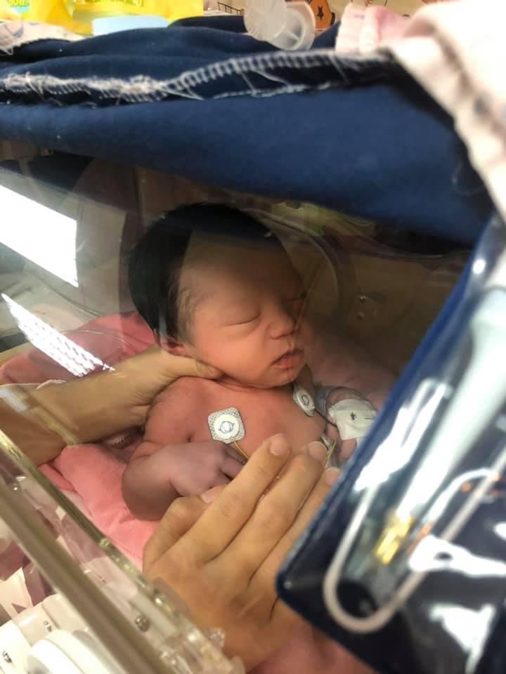 余苑綺的兒子住在新生兒病房。圖/摘自臉書