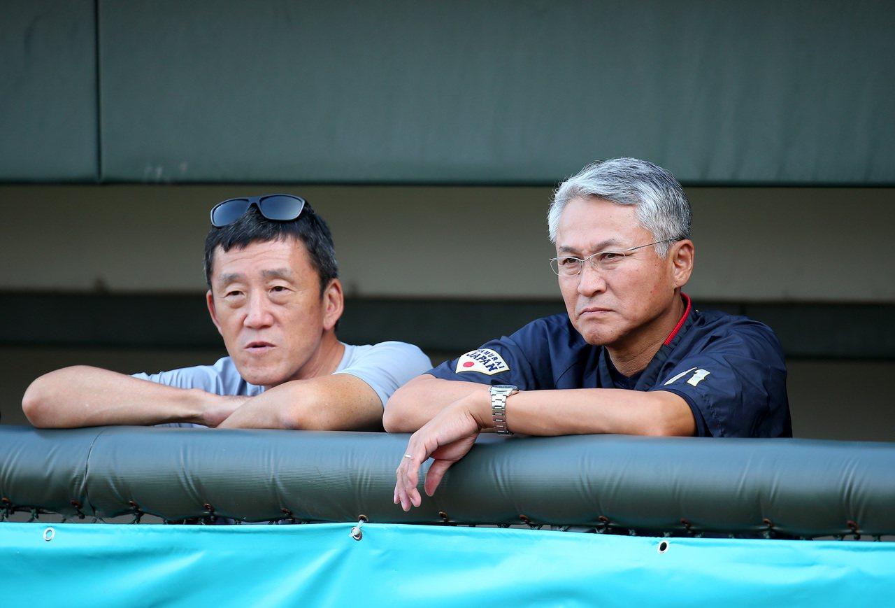 2019年亞洲棒球錦標賽,日本隊總教練石井章夫(右)。 記者余承翰/攝影