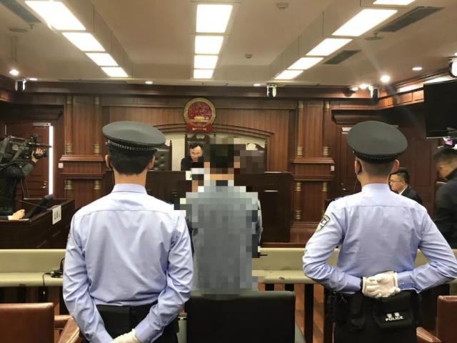 上海法院將一名在地鐵性騷擾女性的男子,重判6個月徒刑。圖/取自《青年報》