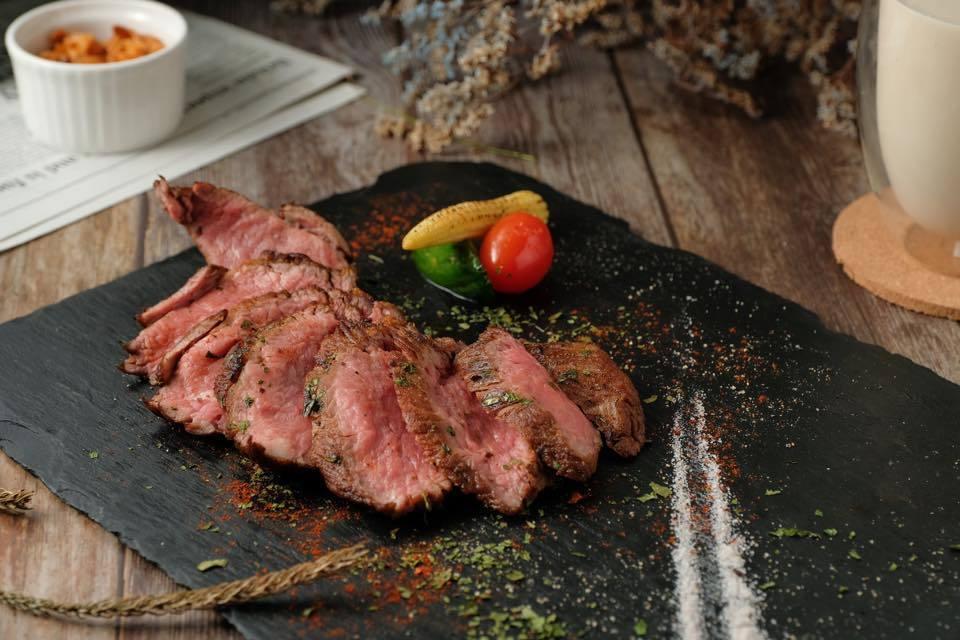 美國肉類出口協會認證的「美旗林指南」,推薦3家美式牛排館。圖/美國肉類出口協會提...