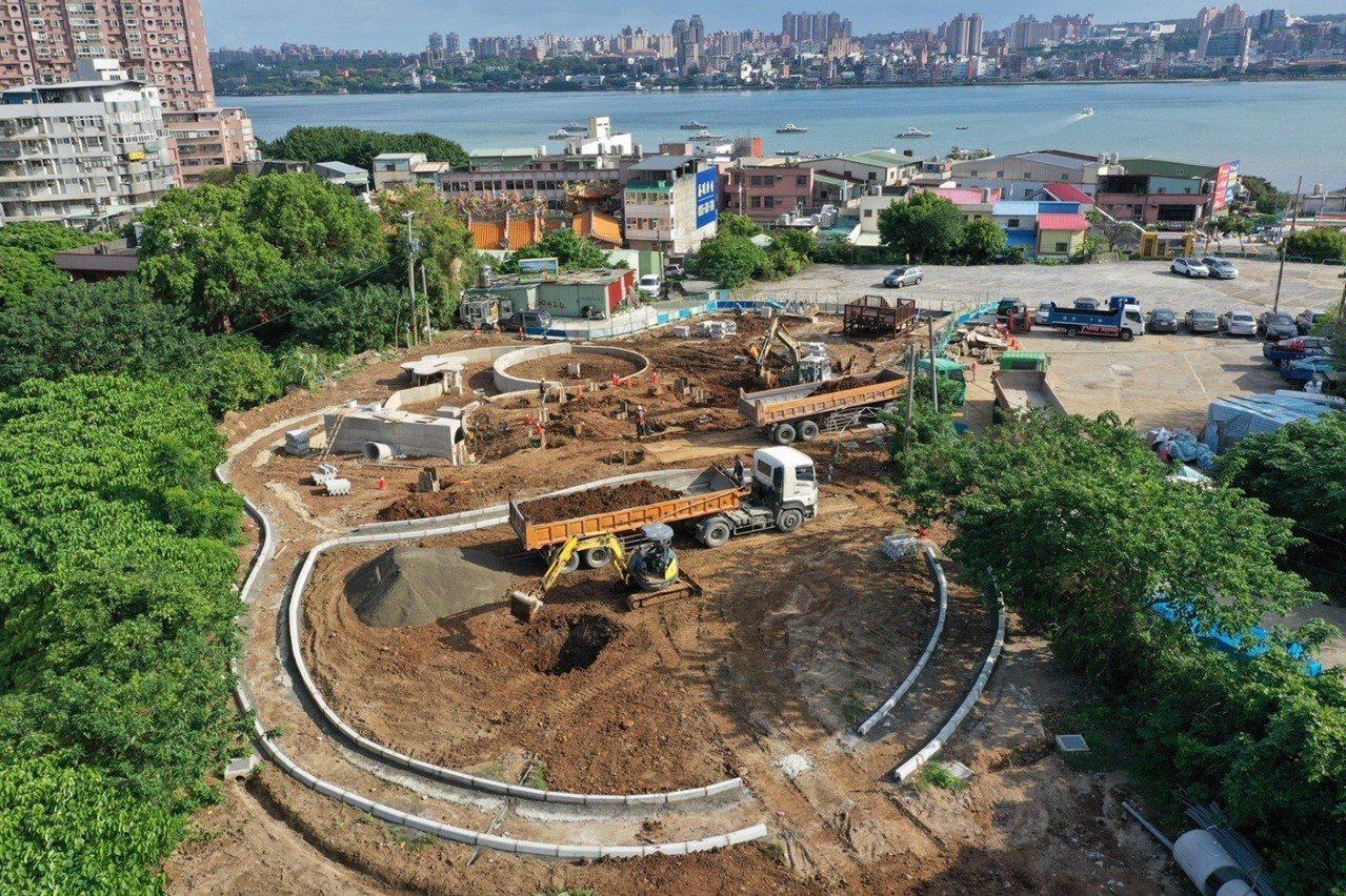 八里渡船頭公園目前施工現況,預計11月底完工。圖/新北市工務局提供