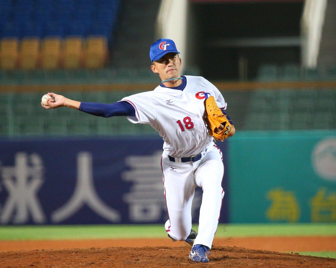 亞洲棒球錦標賽,中華隊中繼投手吳昇峰,對日本隊投1.1局失一分。記者余承翰/攝影