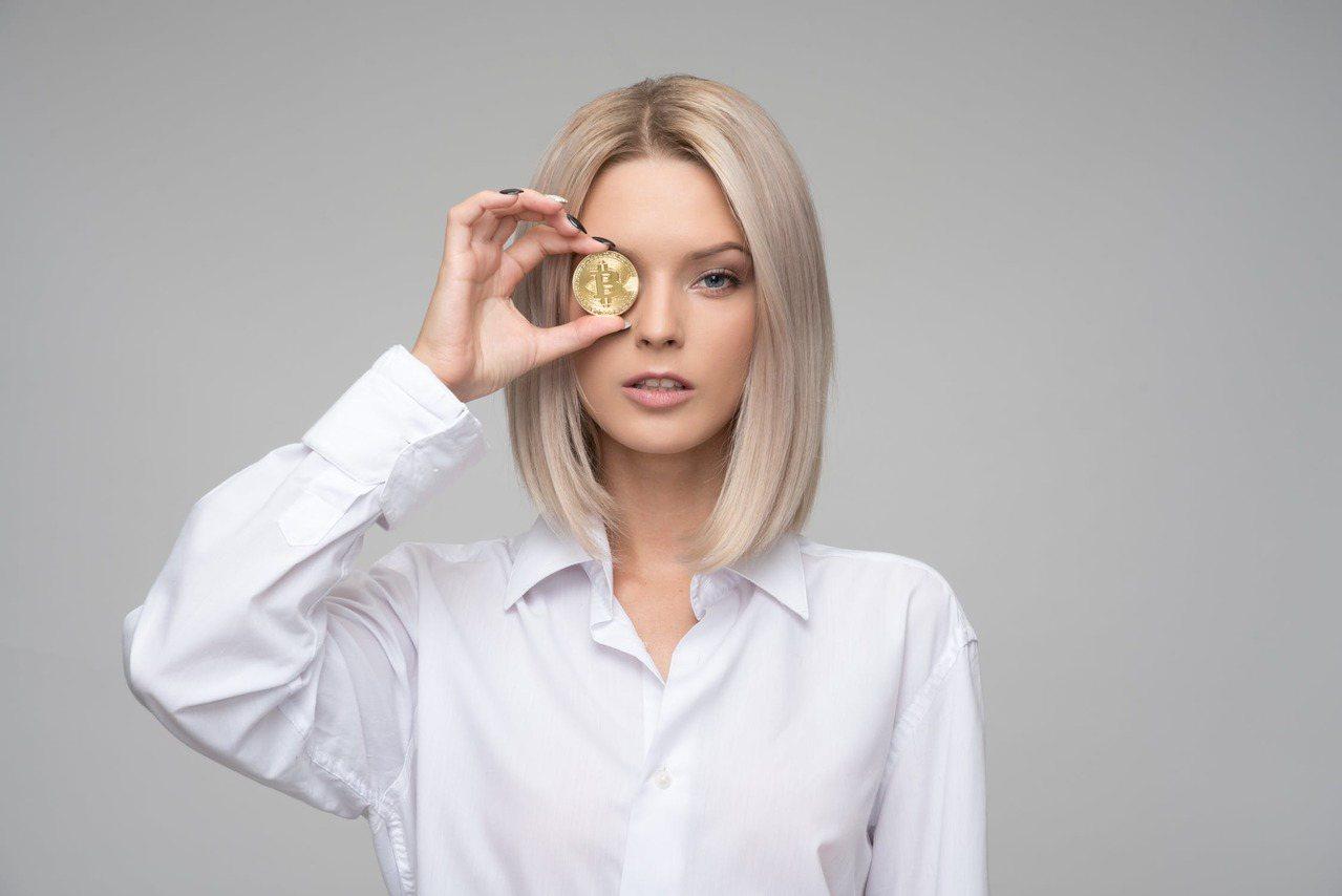 天蠍不喜歡貪財、愛慕虛榮的女人。圖/摘自 pexels