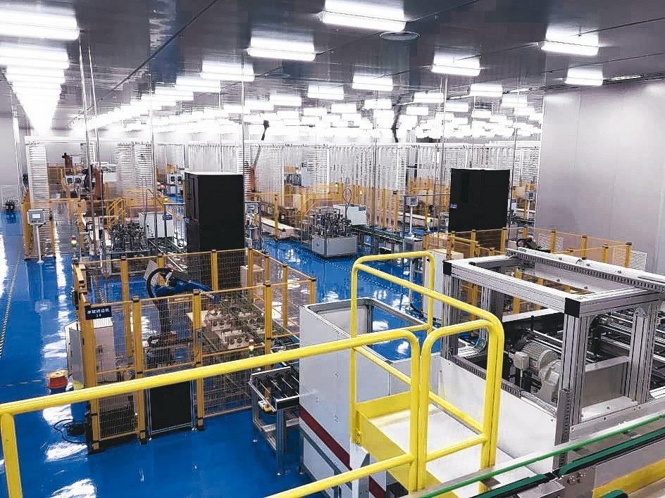 威光自動化在潔淨能源產業,供應各種自動化設備,為業界大廠。 威光/提供