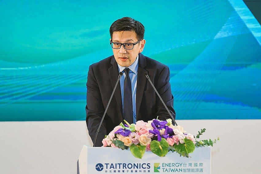 SEMI全球行銷長暨台灣區總裁曹世綸表示,SEMI視持續暢通政府、產業、研究機構...