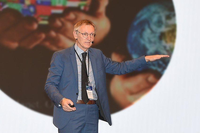 第一屆亞太循環經濟論壇的開幕專題演講,請來循環經濟界的權威—聯合國環境署國際資源...