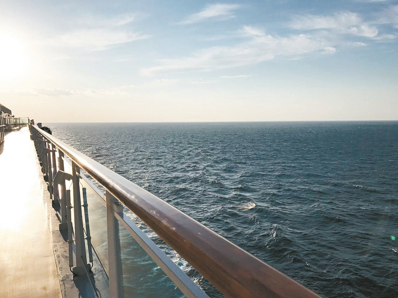 搭郵輪,享受全日航行於海上的悠閒時光。 記者葉卉軒/攝影