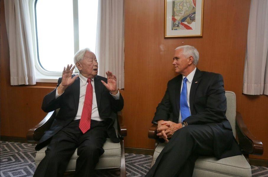 台積電創辦人張忠謀去年擔任總統蔡英文代表,在南太平洋島國巴布亞新幾內亞舉行的AP...