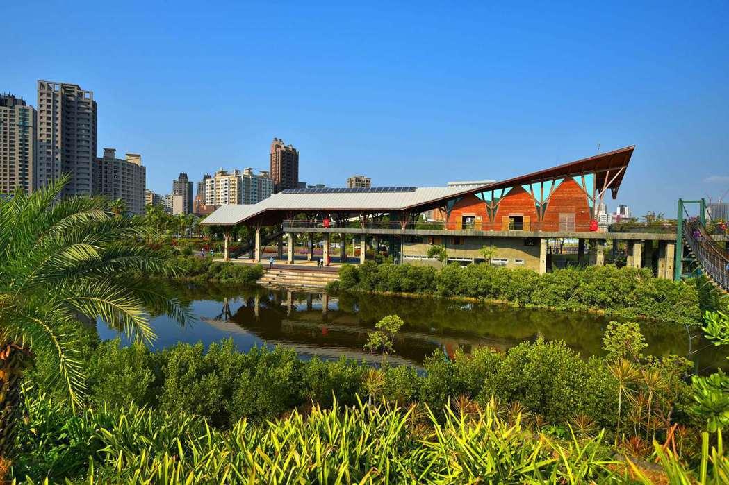 美術濕地生態公園,公園面積廣達12.6公頃,為市中心罕見的天然公園。 圖片提供/...
