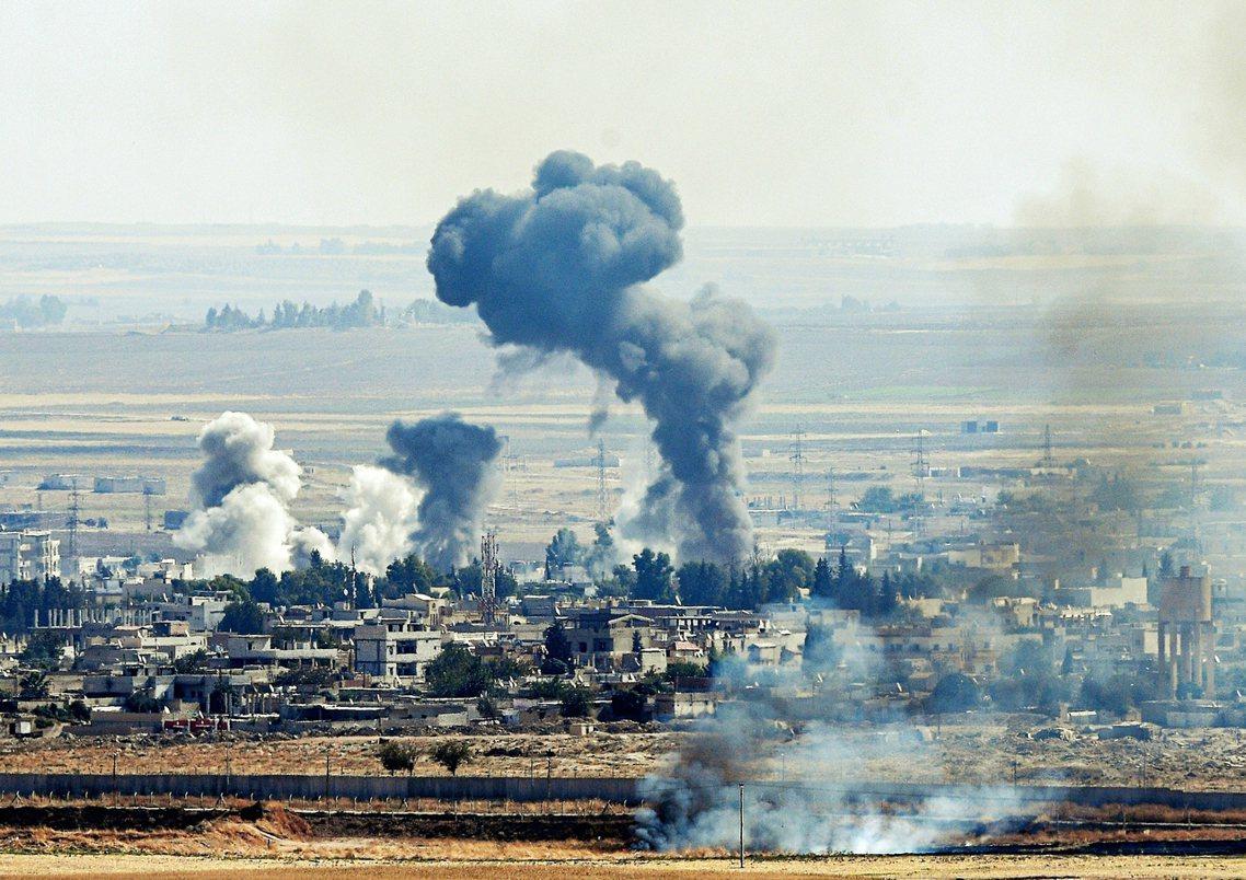 10月14日,敘利亞北部靠近土耳其的邊境城市。 圖/法新社