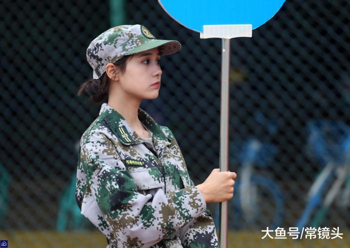 女大生軍訓照片曝光,仙氣十足,被瘋狂轉傳。圖擷自大魚號 常鏡頭