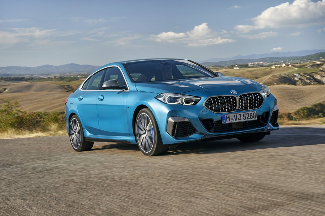 全新BMW 2 Series Gran Coupe (F44) 被視為Merce...
