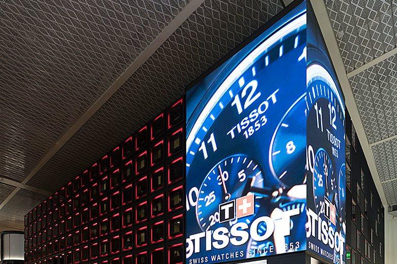 天梭利用「情場如球場」的廣告創意來建立手錶品牌和NBA的關聯。 歐新社資料照片