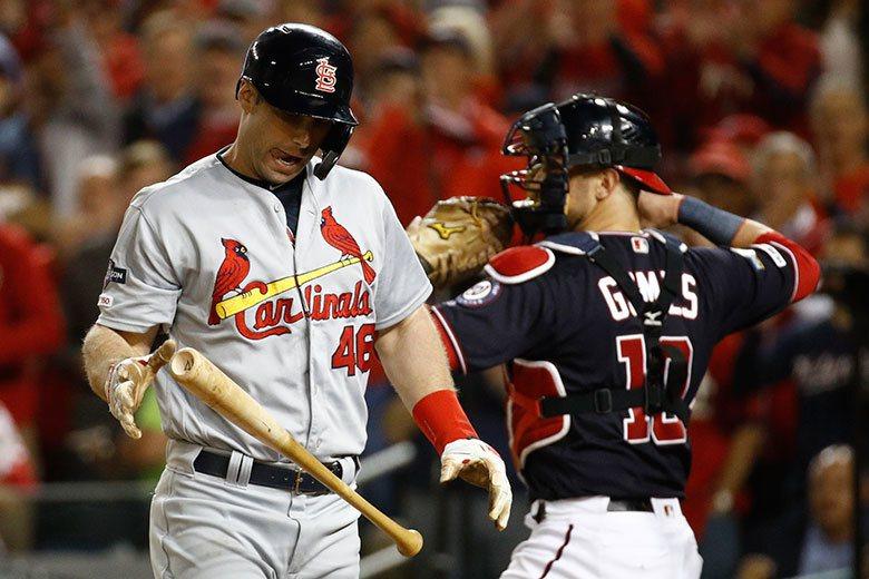 紅雀打線在國聯冠軍賽中幾乎完全被國民投手封鎖,像中心打者高史密特(左)16個打僅...