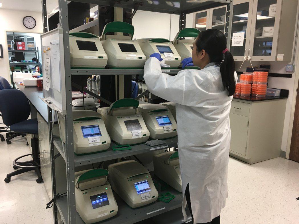 中華民國人類遺傳學會指出,部分癌症基因變異、藥物基因體學及危險性因子與臨床相關性...