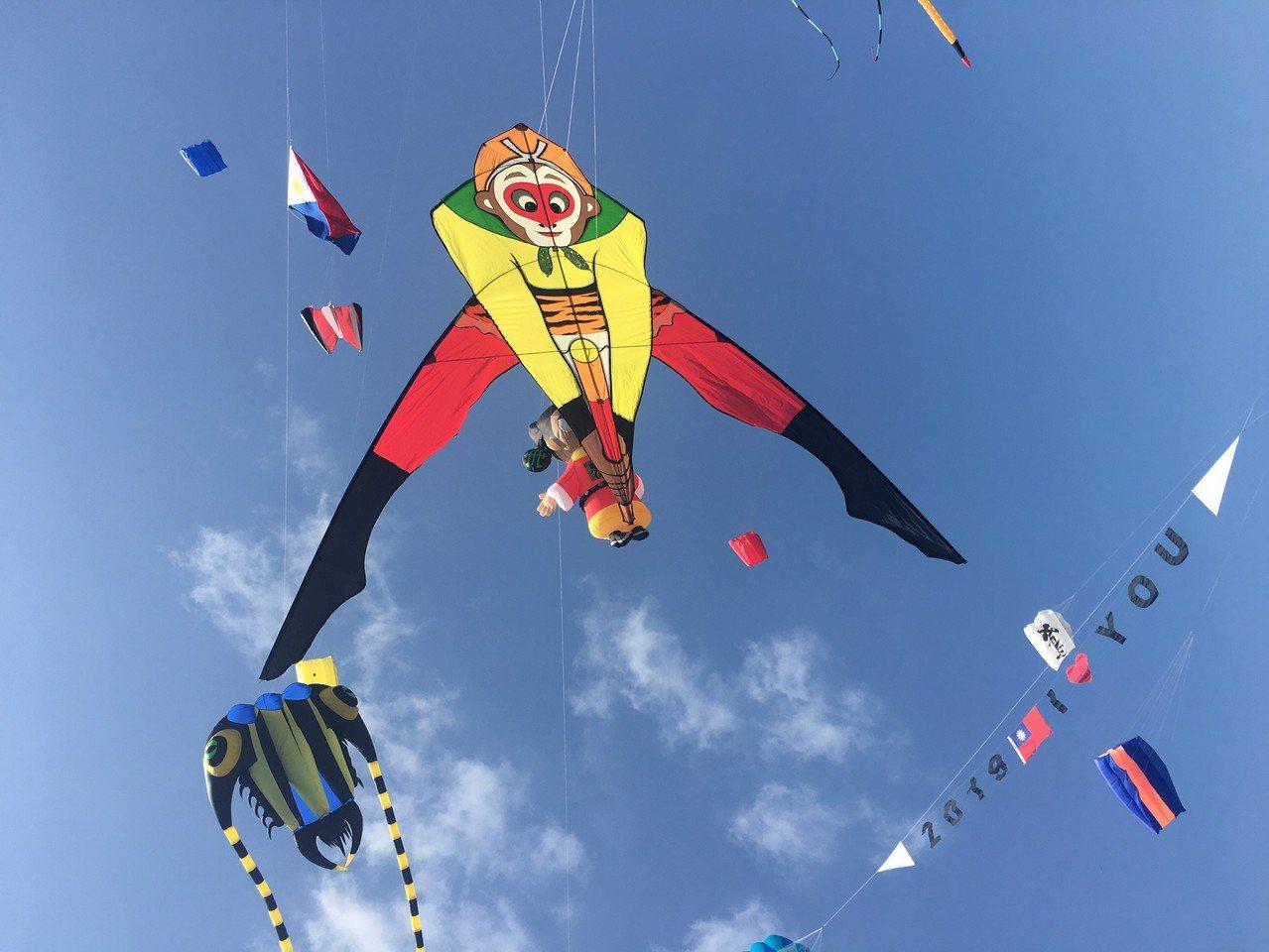 西遊記的故事也是空中演出戲碼之一。圖/桃園市政府觀光旅遊局提供