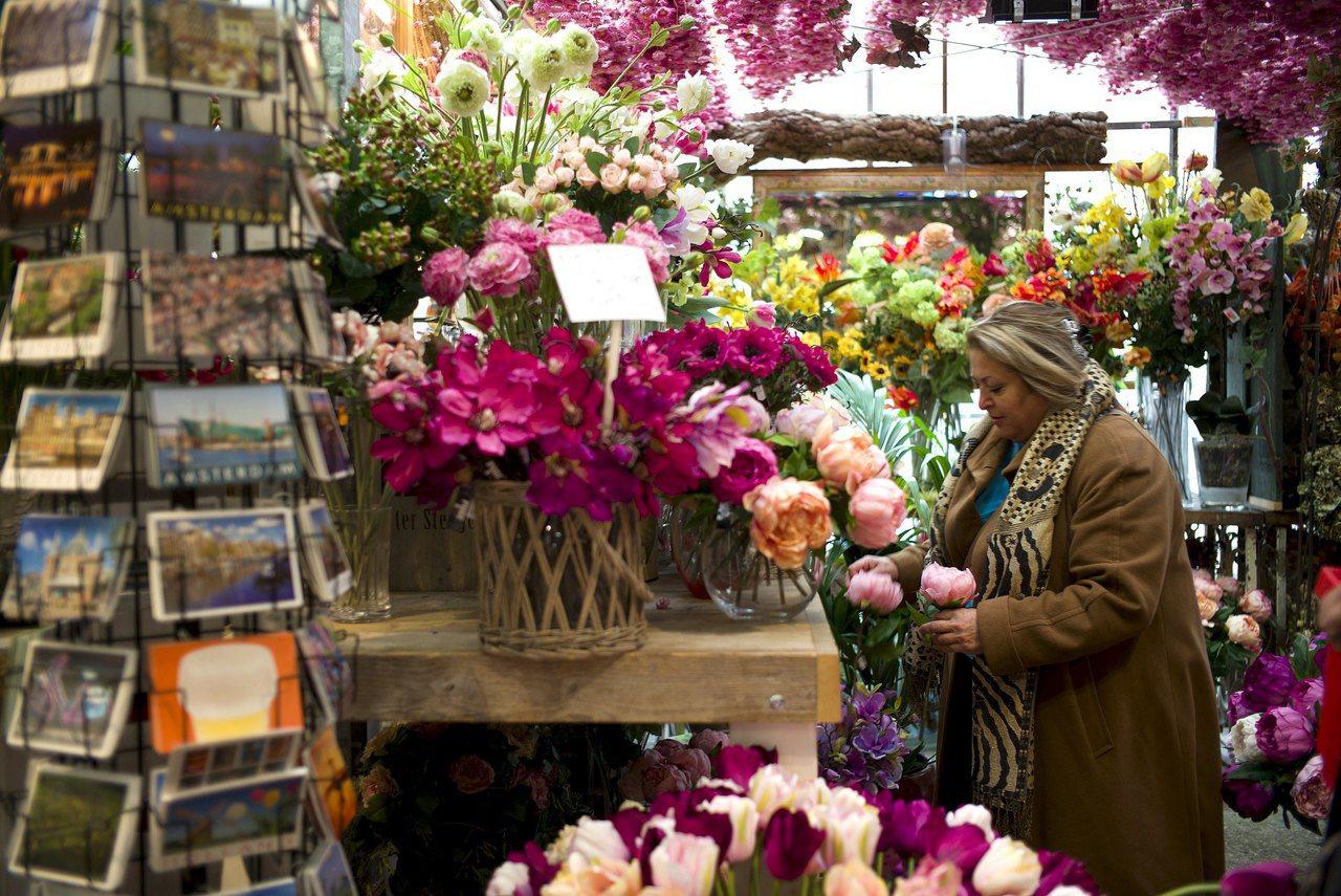 阿姆斯特丹知名花市賣的鬱金香球莖只有1%會開花。路透