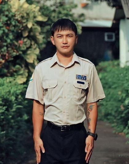 藝人KID服替代役,卻露鳥騎在同袍身上,還揚言打手槍,9年前他和3名團員曾在埔里...