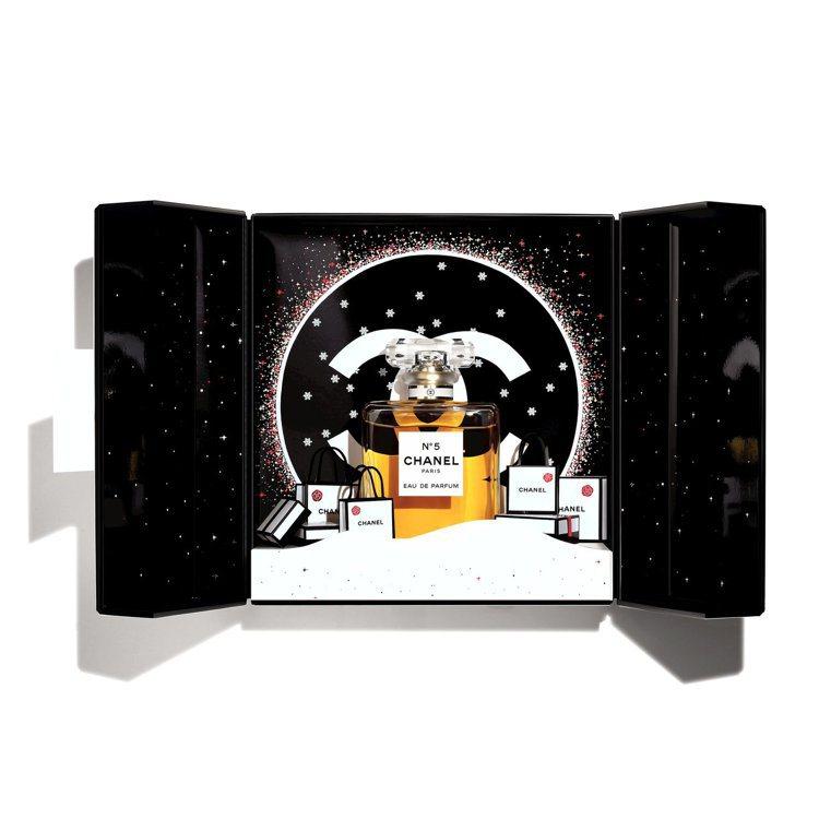 香奈兒N°5節慶香氛珠寶盒 /6,780元。圖/香奈兒提供