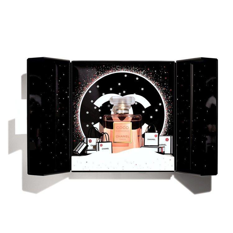 香奈兒摩登COCO節慶香氛珠寶盒 /售價6,780元。圖/香奈兒提供
