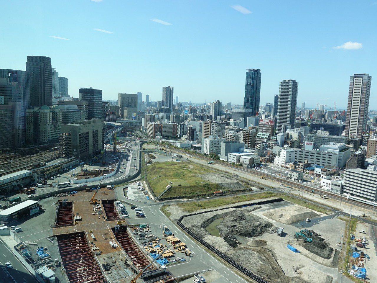 嘉義市長黃敏惠今天參訪大阪市北區,希望借鏡車站周邊的開發方式。圖/嘉義市府提供