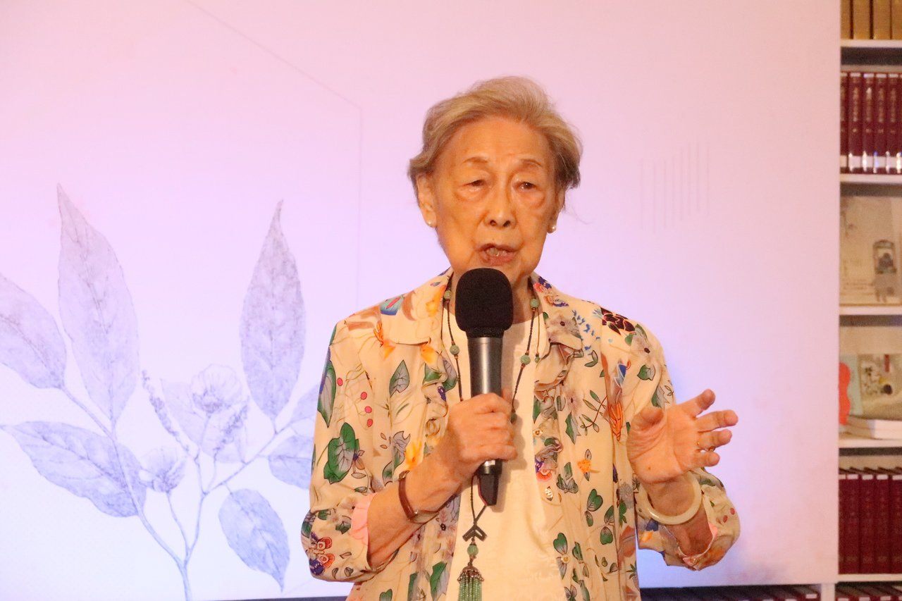 余光中遺孀范我存回憶,兩人相識71年,歷經兩次戰亂,非常感謝台灣這塊土地,在此可...