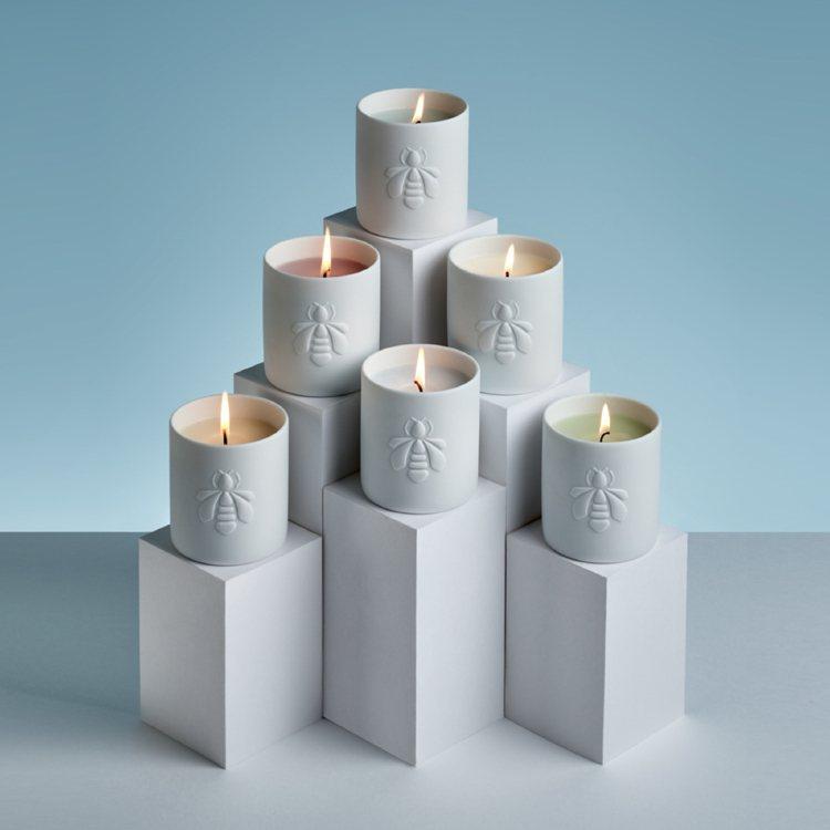 耶誕香氛蠟燭Winter Délice,最能展現家中溫暖氣氛,同時散發著溫暖的香...