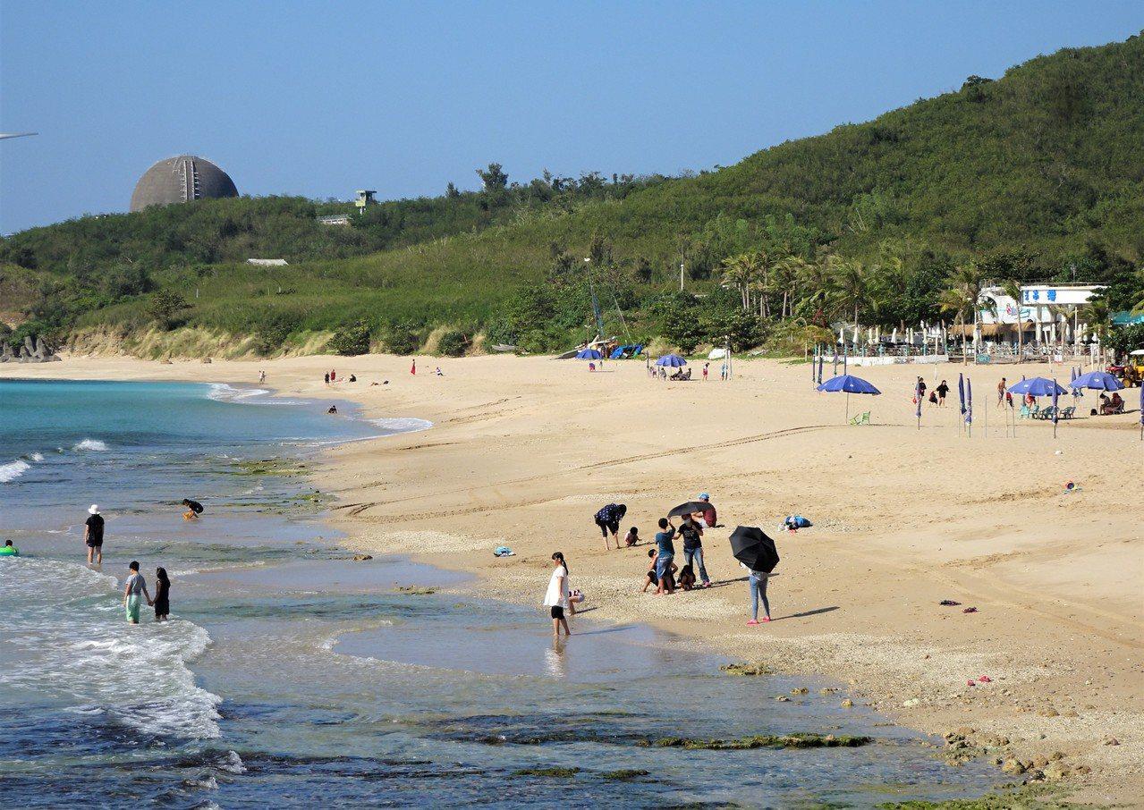 洋溢熱帶島嶼風情的屏東墾丁是自由行陸客的最愛之一,大陸暫停旅客來台自由行後,高人...