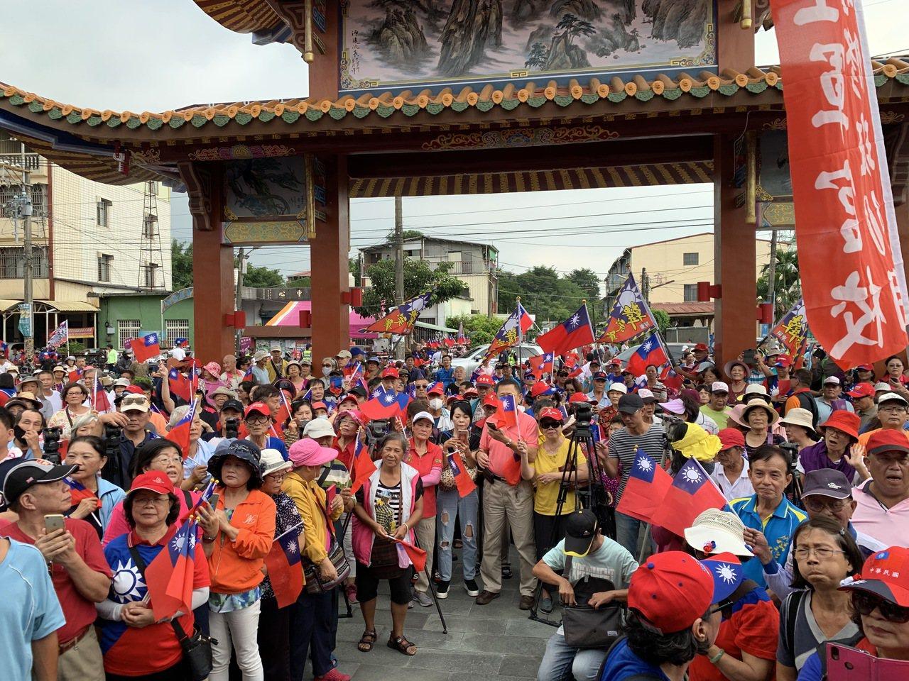 韓國瑜今到屏東,所到之處受到熱烈歡迎。記者翁禎霞/攝影