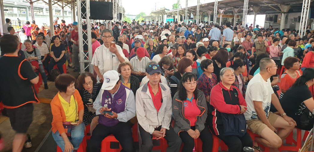桃園綠捷GC03標開工坐滿民眾,被部分議員批動員。記者鄭國樑/攝影