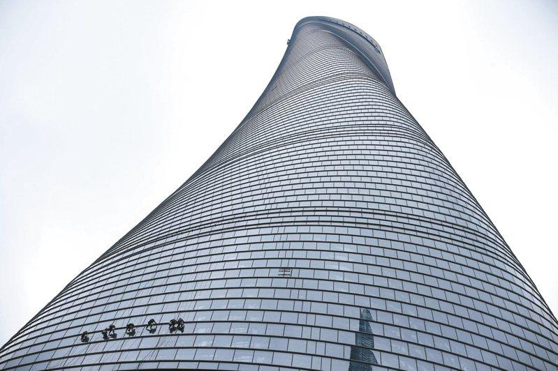 樓高632公尺的中國第一高樓—上海中心大廈,將於11月24日舉行2019國際垂直馬拉松賽。 路透