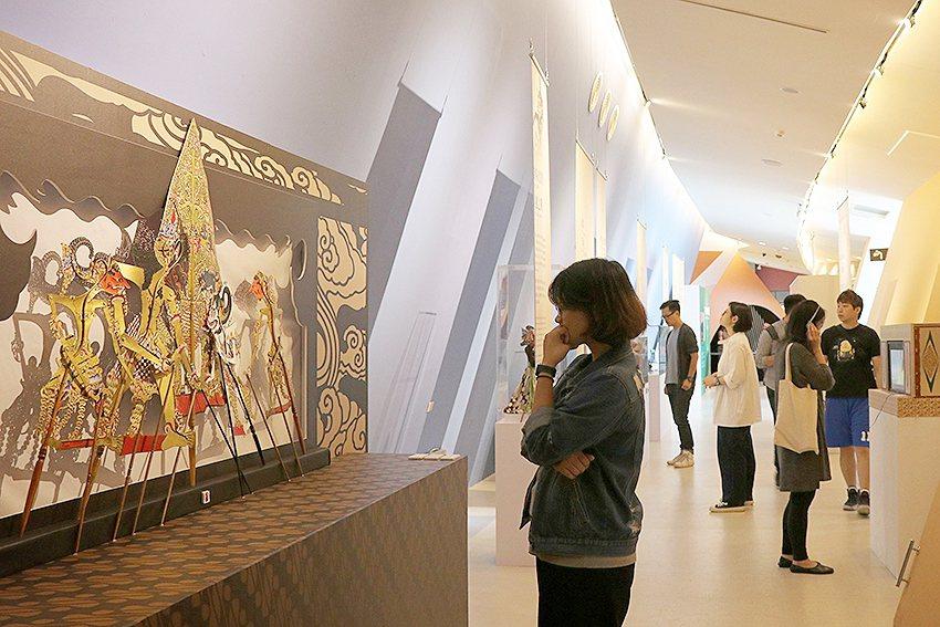 「印尼文化特展」介紹聯合國教科文組織認定為文化遺產的表演藝術與工藝。 十三行博物...