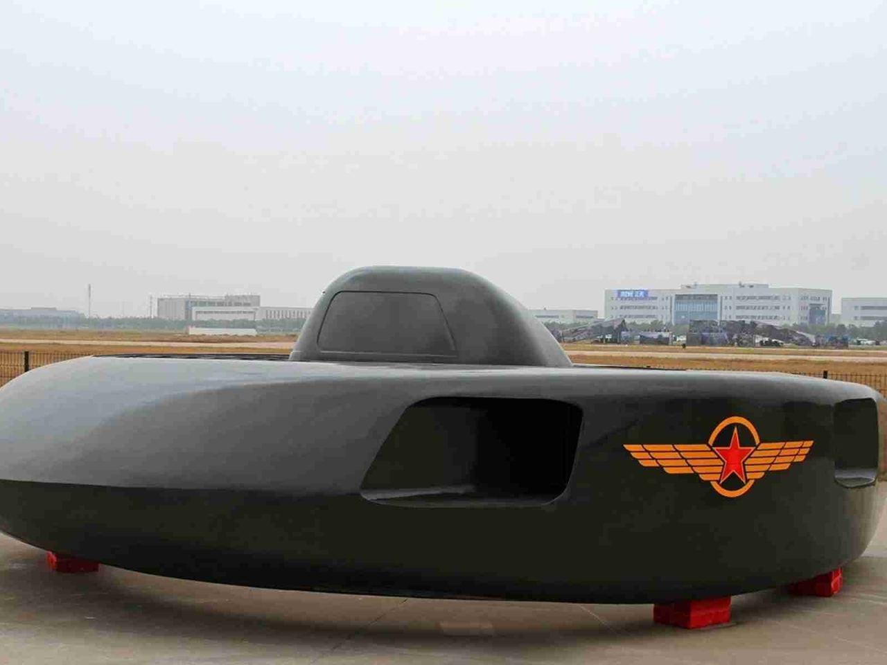 酷似飛碟的「超級大白鯊」武裝直升機亮相天津國際直升機博覽會。(VCG)