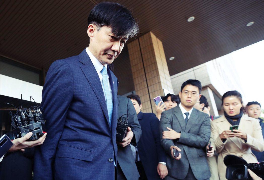 14日上午,曹國才現身第2次的檢方改革方案發表會,發表新一波的「檢調改革」方針神...