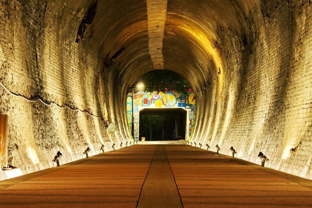 百年舊隧道活化再利用,在保存歷史古蹟原貌。 圖/擷取自「新北市政府高灘地工程管理...