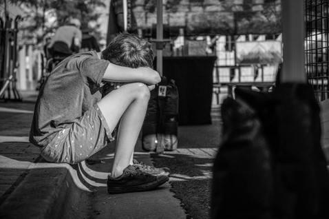 在人生的課題裡,應該要仔細聆聽每個孩子想說的話,而不是一直糾正他們的錯誤,或因此...