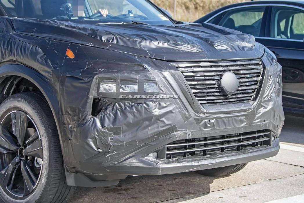 新世代Nissan Rogue/X-Trail應該也是採用分離式燈組設計。 摘自...