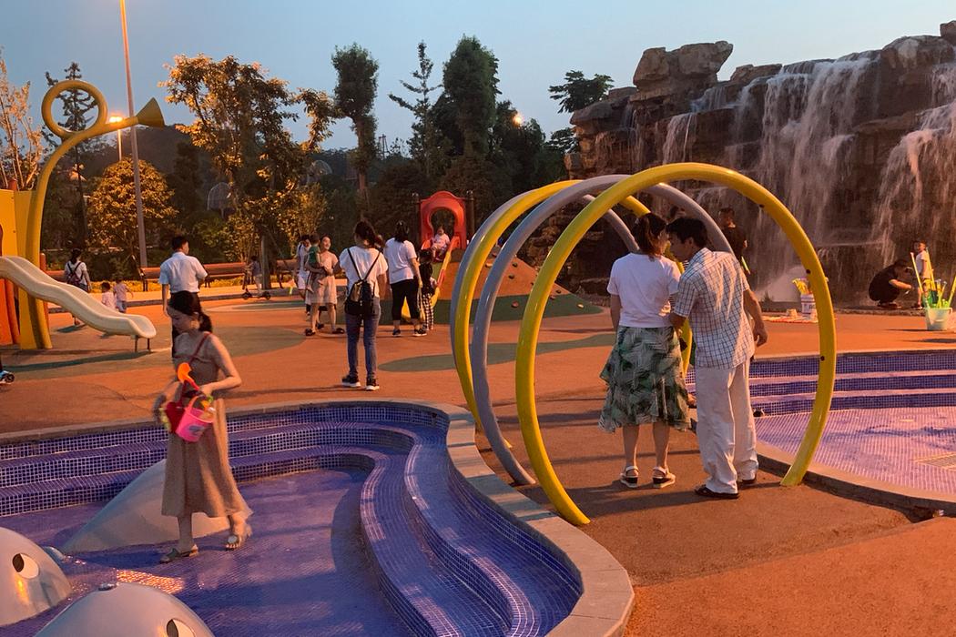 中國重慶/璧山楓香湖兒童公園,爸媽遛小孩的免費遊樂場!