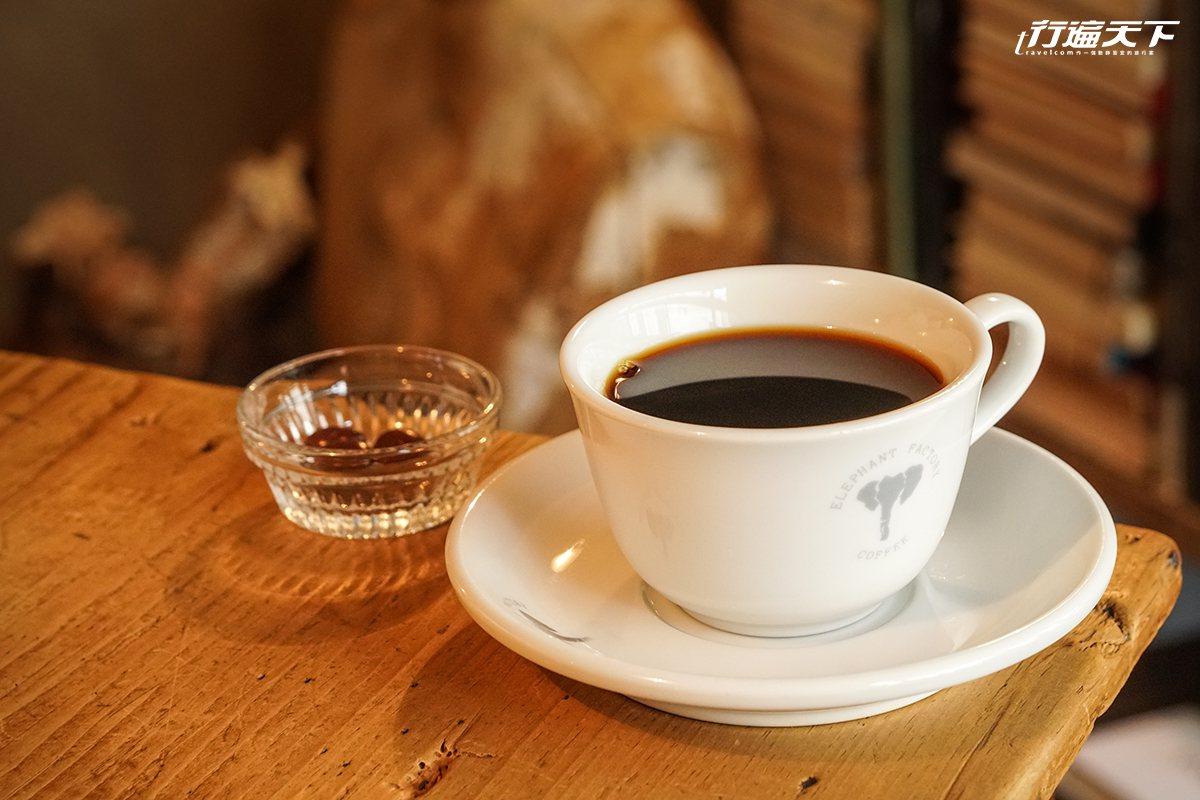 ▲手沖咖啡與義式咖啡都很值得品嚐。