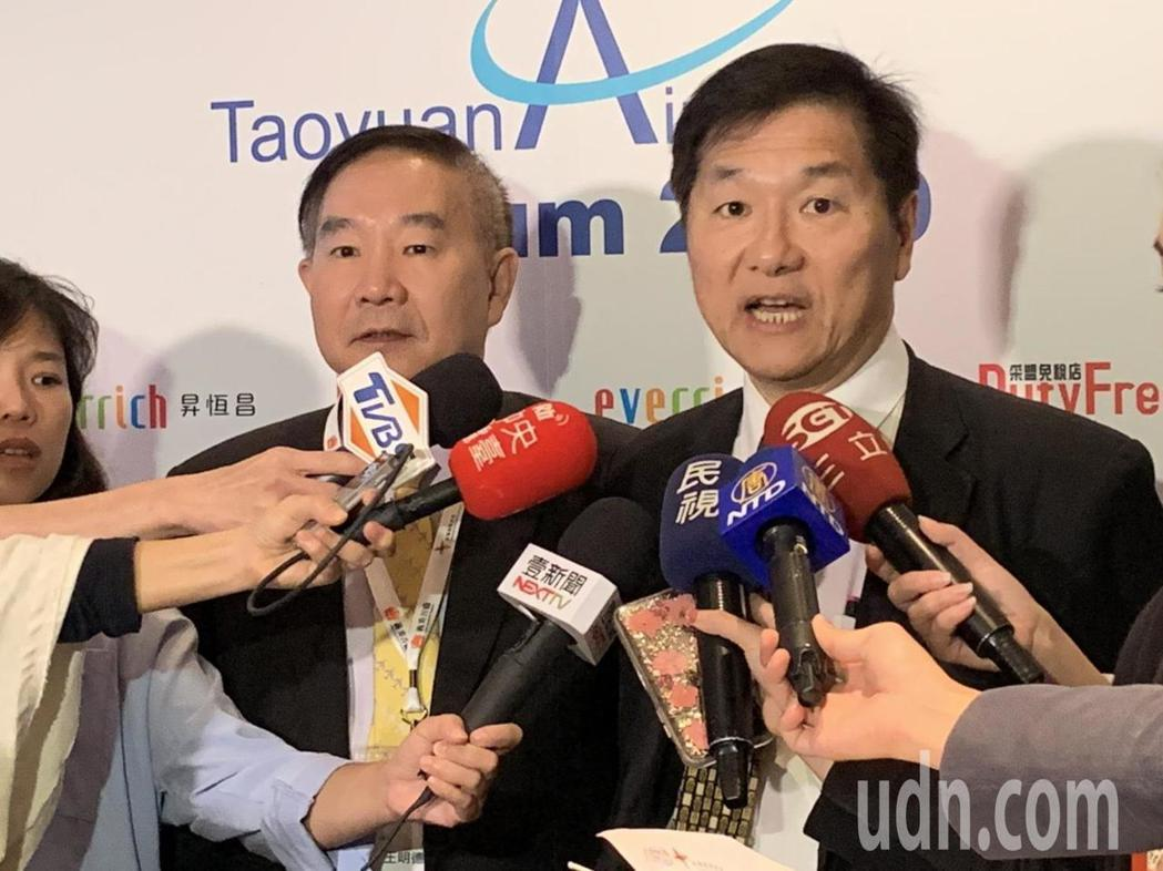 交通部次長祁文中(右)強調,交通部將「智慧海空港服務產業」列為重要產業分組,希望...