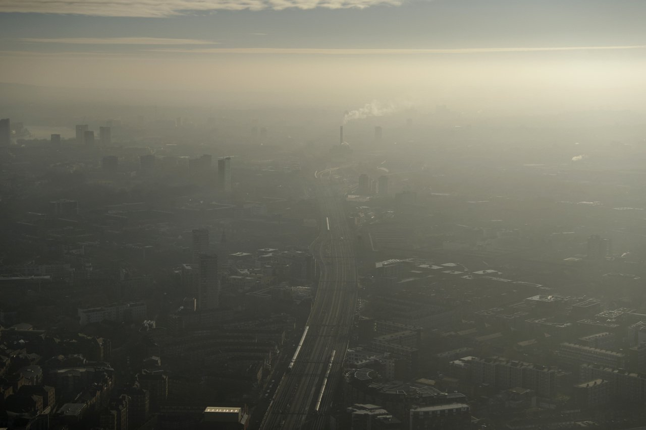 歐洲空氣品質糟,2016年有41萬2000人早死。圖為倫敦霾害情況。美聯社