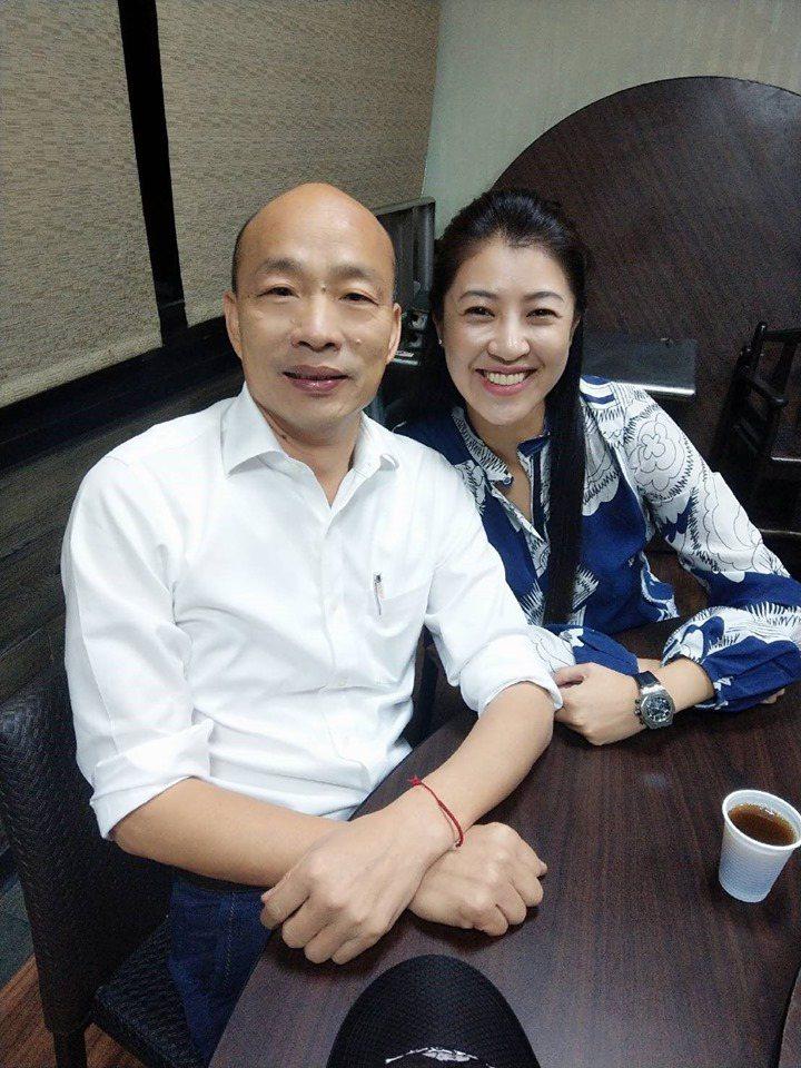 韓國瑜除了展開傾聽之旅,也配合黨中央參與各縣市的總統、立委參選人競選總部聯合造勢...