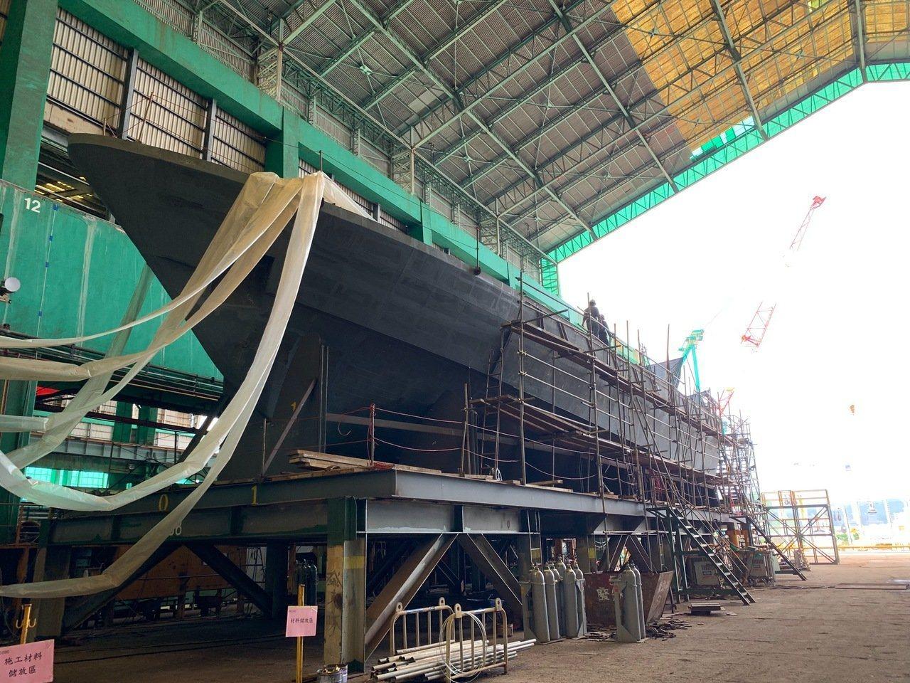 海巡署艦隊分署發包「100噸級巡防艇28艘後續15艘採購案」,上月舉辦第5艘巡防...